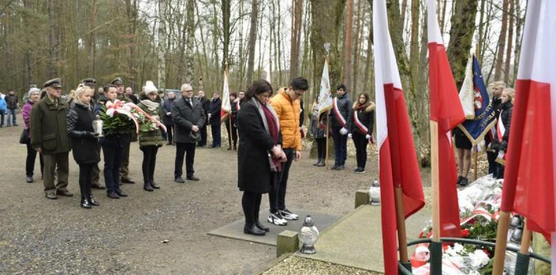 Gostynin oddaje cześć Powstańcom - Zdjęcie główne