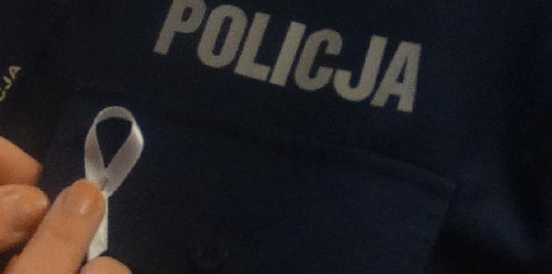 Policjanci solidarni z kobietami - Zdjęcie główne