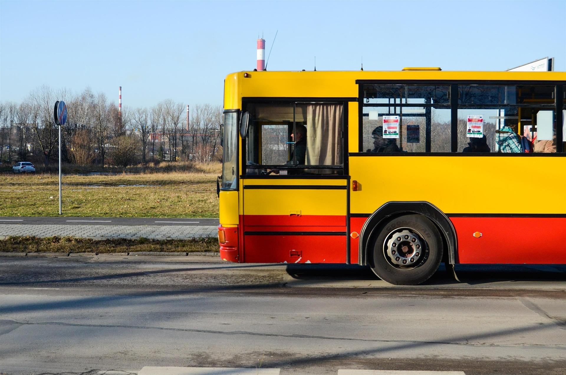 Powiat uruchomił nowe linie autobusowe - Zdjęcie główne