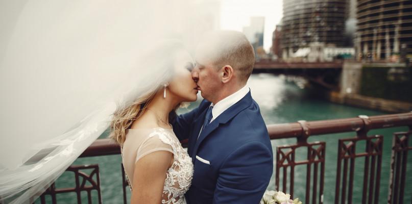 Jak wybrać dobrego fotografa ślubnego? - Zdjęcie główne