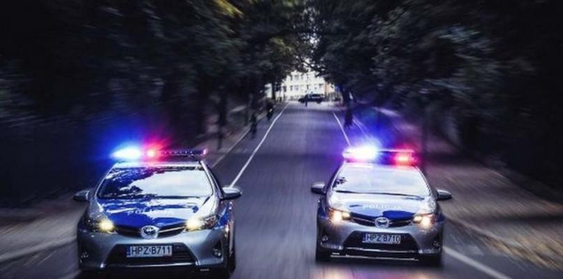 Pijany uciekał przed policją, później uszkodził radiowóz - Zdjęcie główne