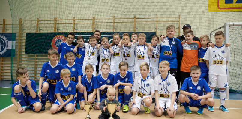UKS FEA Łąck na podium Halowego Turnieju o Puchar Wójta! - Zdjęcie główne