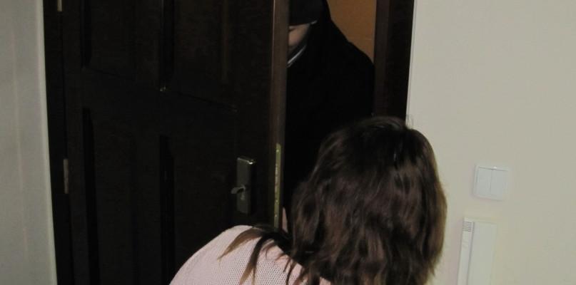 Wtargnął do mieszkania i zaatakował kobietę! - Zdjęcie główne