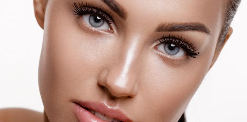 3 sposoby na wąskie i małe usta – jak nadać im zmysłowy wygląd? - Zdjęcie główne