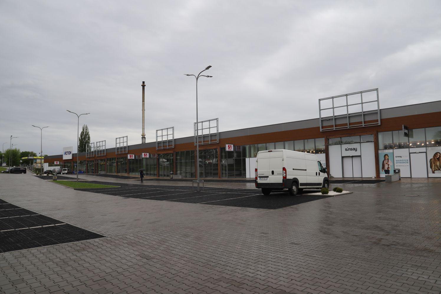 W Kutnie pojawiają się nowe sklepy! Co kupimy w pasażu przy Żwirki i Wigury? [ZDJĘCIA] - Zdjęcie główne