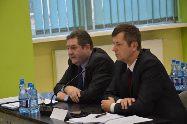 Powiatowa opozycja wnioskuje o nadzwyczajną sesję - Zdjęcie główne