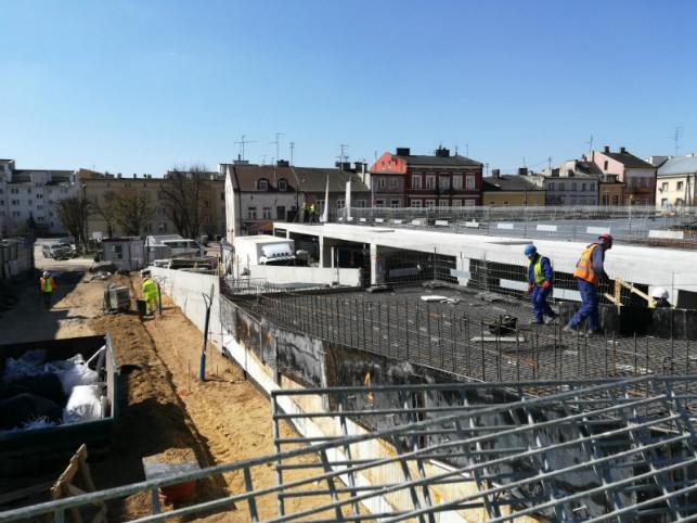 Plac Wolności inny niż planowano. ''Nadzwyczajne zdarzenie z granitem'' - Zdjęcie główne