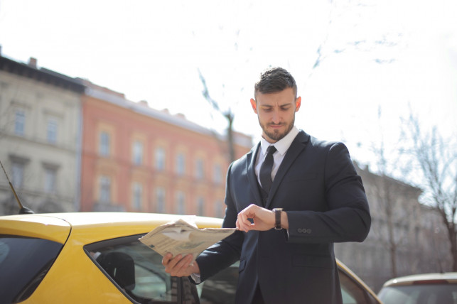 Męskie torby listonoszki. Przegląd stylowych modeli - Zdjęcie główne