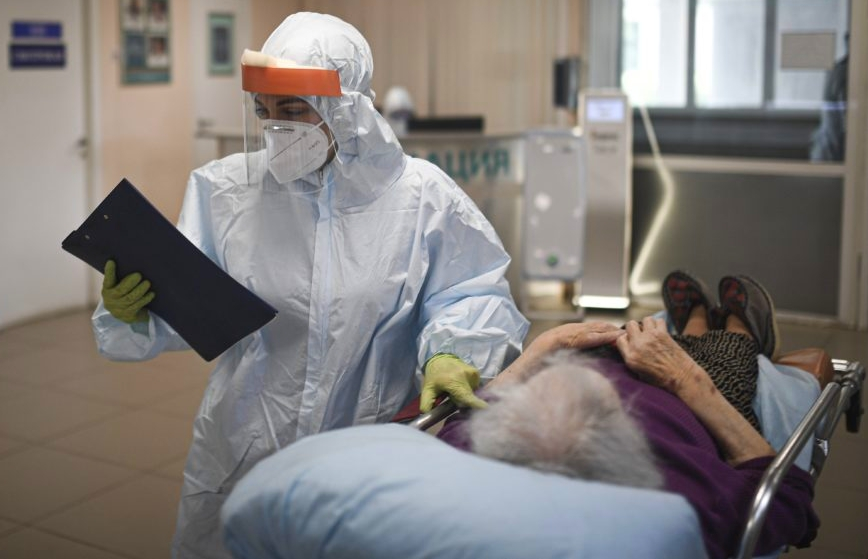 Zgony kolejnych pacjentów z powiatu kutnowskiego chorych na COVID-19 - Zdjęcie główne