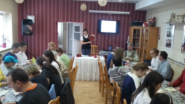 Warsztaty przedświąteczne w Środowiskowym Domu Samopomocy - Zdjęcie główne