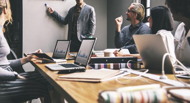 Decyzje biznesowe - jak sprawnie obracać się w biznesie? - Zdjęcie główne