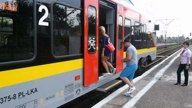 Uwaga pasażerowie ŁKA: jest nowy wakacyjny rozkład jazdy. Jak będą jeździć pociągi z Kutna?  - Zdjęcie główne