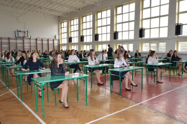 Pierwszy dzień matur: Sprawdzają się w języku polskim - Zdjęcie główne
