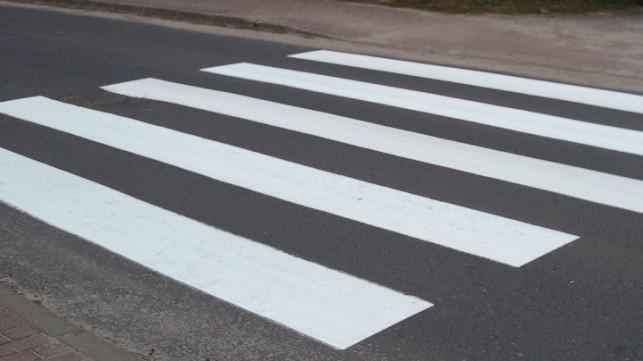 Remont Podrzecznej skończony, ale kiedy pasy przy przejściu dla pieszych? - Zdjęcie główne
