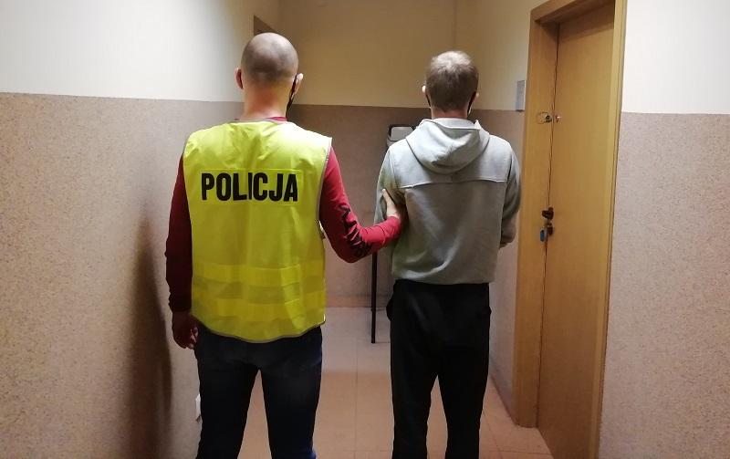 """[FOTO] Kutno: policjanci wykazali się czujnością. Włamywacze zatrzymani """"na gorącym uczynku"""" - Zdjęcie główne"""
