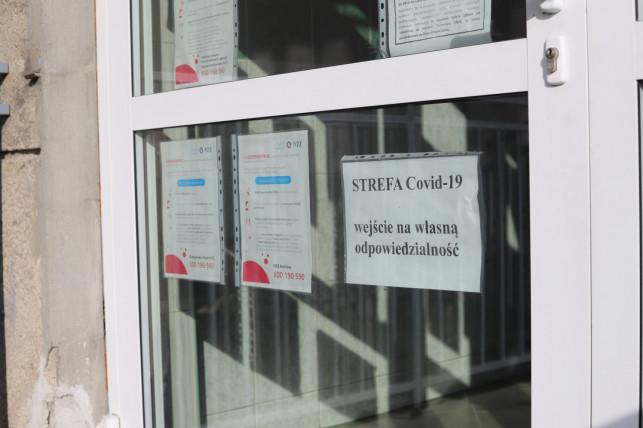 Ponad 800 mieszkańców pow. kutnowskiego z COVID-19 - Zdjęcie główne