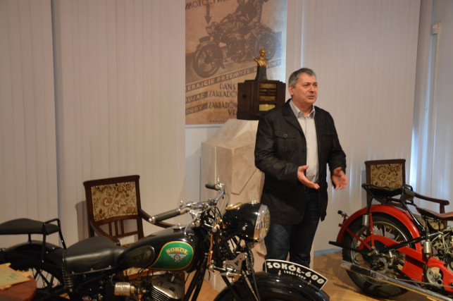 Poznawali zabytkowe polskie motocykle - Zdjęcie główne