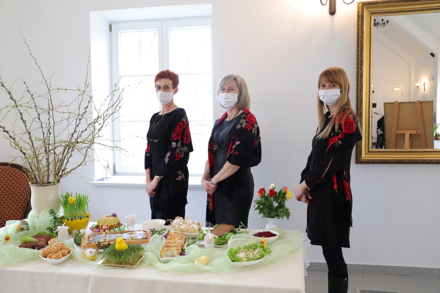 [ZDJĘCIA] Mieszkanki gminy Kutno przygotowały wielkanocne stoły. Chcą promować polską tradycję - Zdjęcie główne