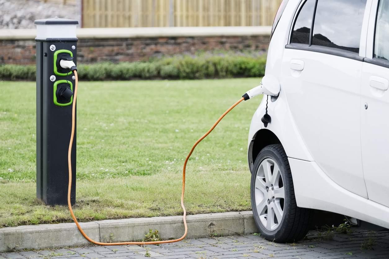 Państwo dopłaci do samochodów elektrycznych. Wiemy ile - Zdjęcie główne