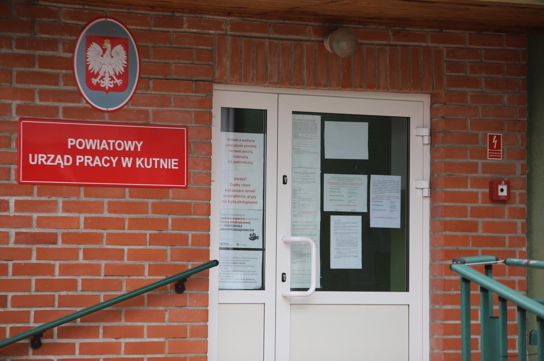 Liczne zachorowania na COViD-19 w kutnowskim PUP. Urząd zamknięty do odwołania - Zdjęcie główne