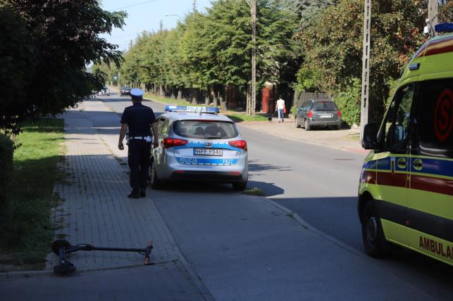 [ZDJĘCIA] Potrącenie kobiety na Chodkiewicza. Na miejscu policja i pogotowie - Zdjęcie główne