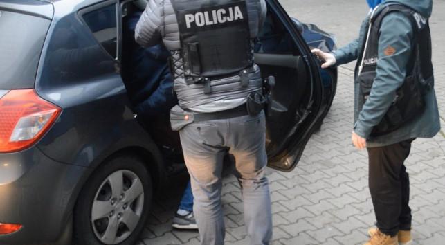 """[WIDEO] Gruzini zatrzymani za liczne przestępstwa. """"To mieszkańcy Kutna"""" - Zdjęcie główne"""