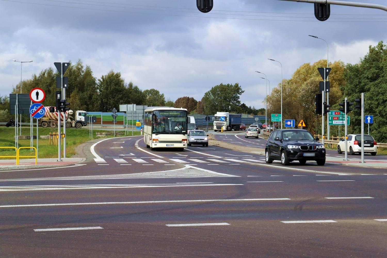 Przebudowa skrzyżowania na Łąkoszynie dobiegła końca. Czy wszystko dopięto na ostatni guzik? [ZDJĘCIA] - Zdjęcie główne
