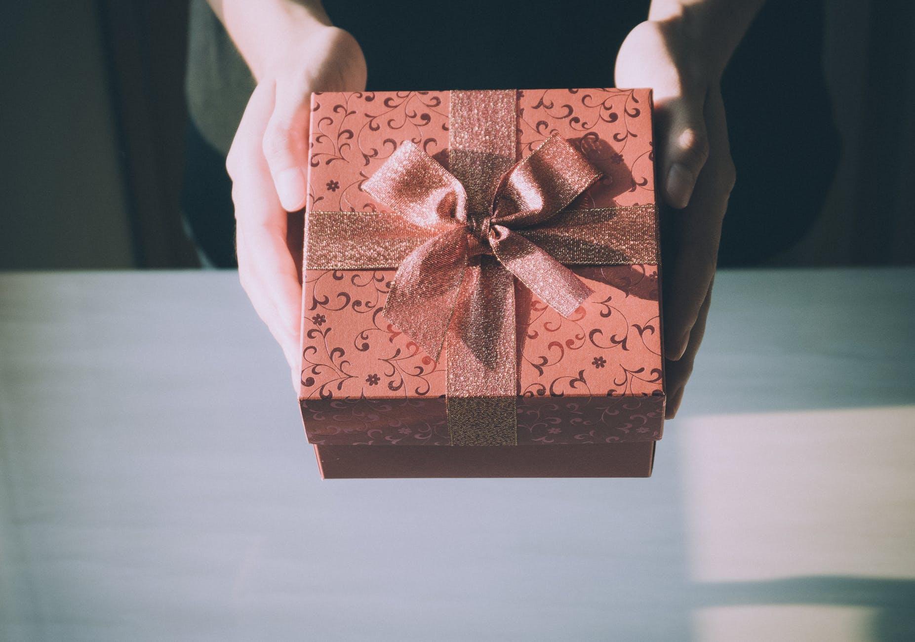 Dlaczego karty podarunkowe to dobry pomysł na prezent? - Zdjęcie główne