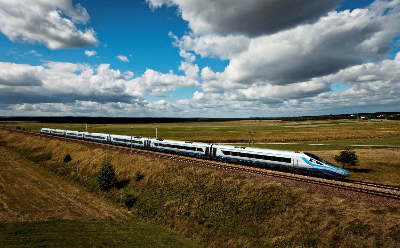 Podróż poza godzinami szczytu szansą na tańszy bilet na pociąg - Zdjęcie główne