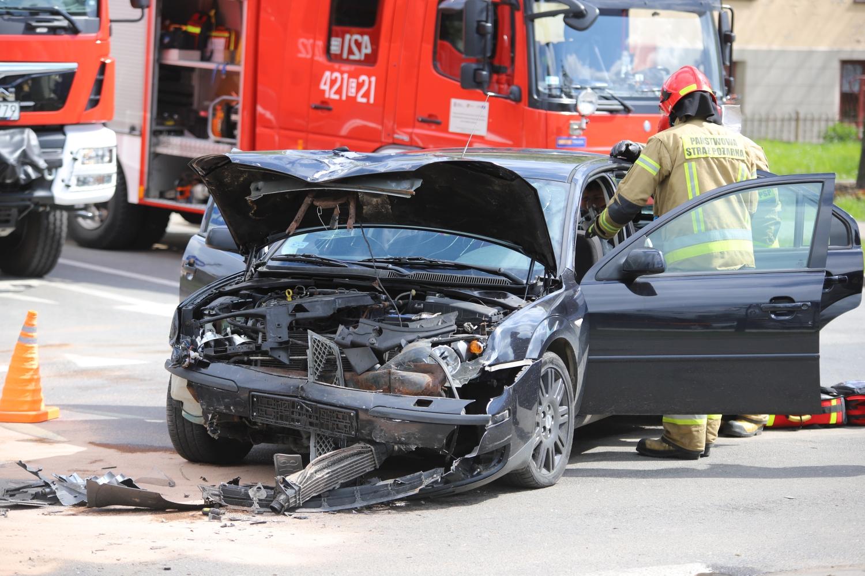 Wypadek na skrzyżowaniu w Kutnie. Wiadomo, co z poszkodowanymi - Zdjęcie główne