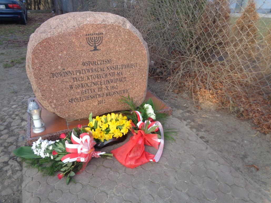 Minęło 79. lat od likwidacji getta w Krośniewicach. Uczczono pamięć wymordowanych Żydów - Zdjęcie główne