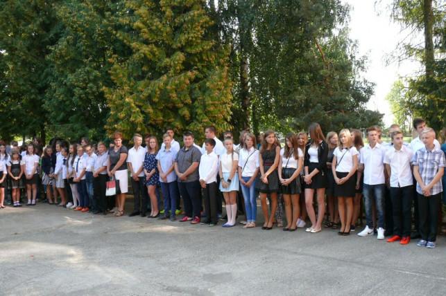 Dzieci z ZS w Szczycie usłyszały pierwszy dzwonek - Zdjęcie główne