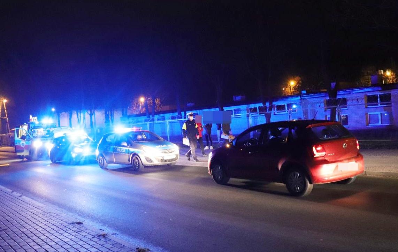 [ZDJĘCIA] Samochód potrącił nastolatka. Trwa akcja służb - Zdjęcie główne