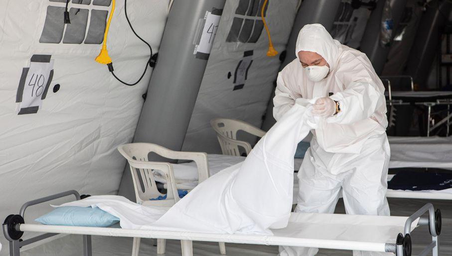 Koronawirus: liczba zakażeń znów w górę, kolejny zgon w powiecie kutnowskim - Zdjęcie główne