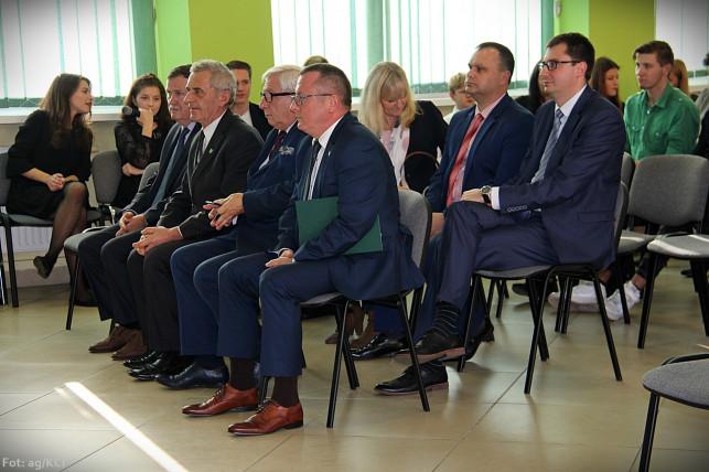 Ekstra kasa dla nauczycieli - przyznano Nagrody Starosty Kutnowskiego - Zdjęcie główne
