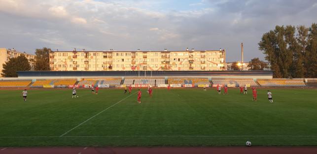 [FOTO] Emocje przy Kościuszki. KS II wygrywa, ale kończy mecz w dziesiątkę - Zdjęcie główne