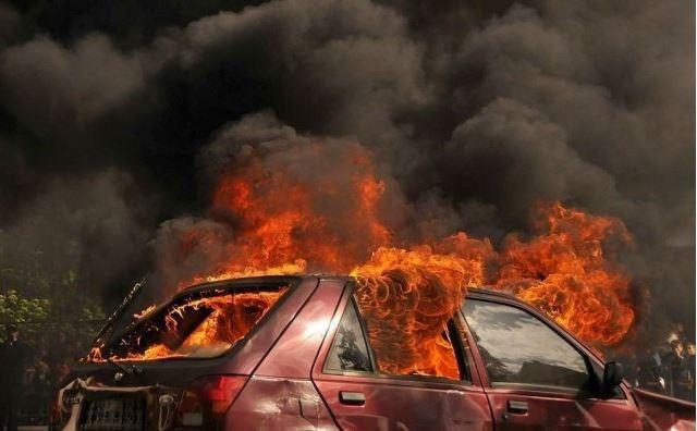 Płonął kolejny samochód  - Zdjęcie główne