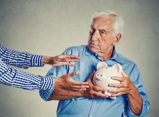 """Zbliża się gospodarczy kryzys, ale """"trzynastki"""" będą wypłacone. Do rencistów i emerytów trafi łącznie... - Zdjęcie główne"""