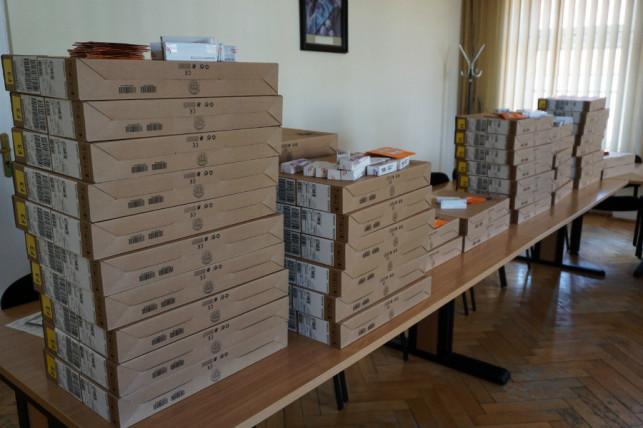 Laptopy dla uczniów z Kutna. ''Trafią do tych, którzy najbardziej ich potrzebują'' - Zdjęcie główne