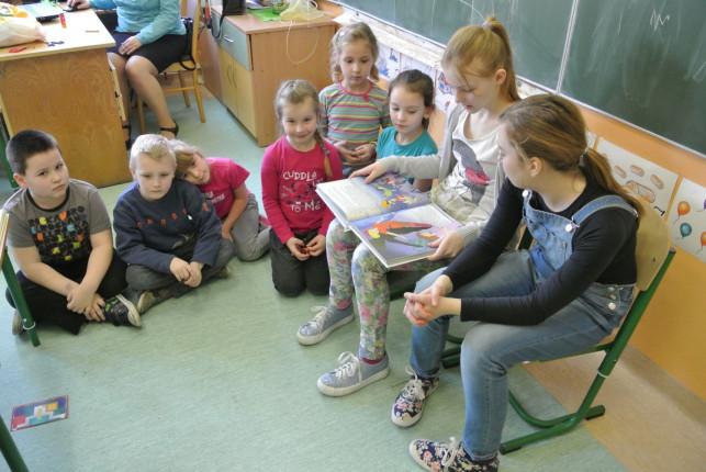 W Byszewie czytali najmłodszym - Zdjęcie główne