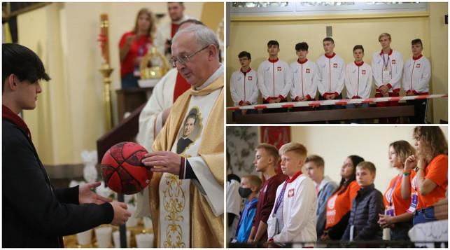 [ZDJĘCIA] Młodzież z całej Polski w Kutnie. Najpierw msza, potem sportowa rywalizacja - Zdjęcie główne