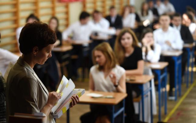 Wiadomo co z maturami i egzaminami ósmoklasistów. Kiedy będą i co się zmieni? - Zdjęcie główne