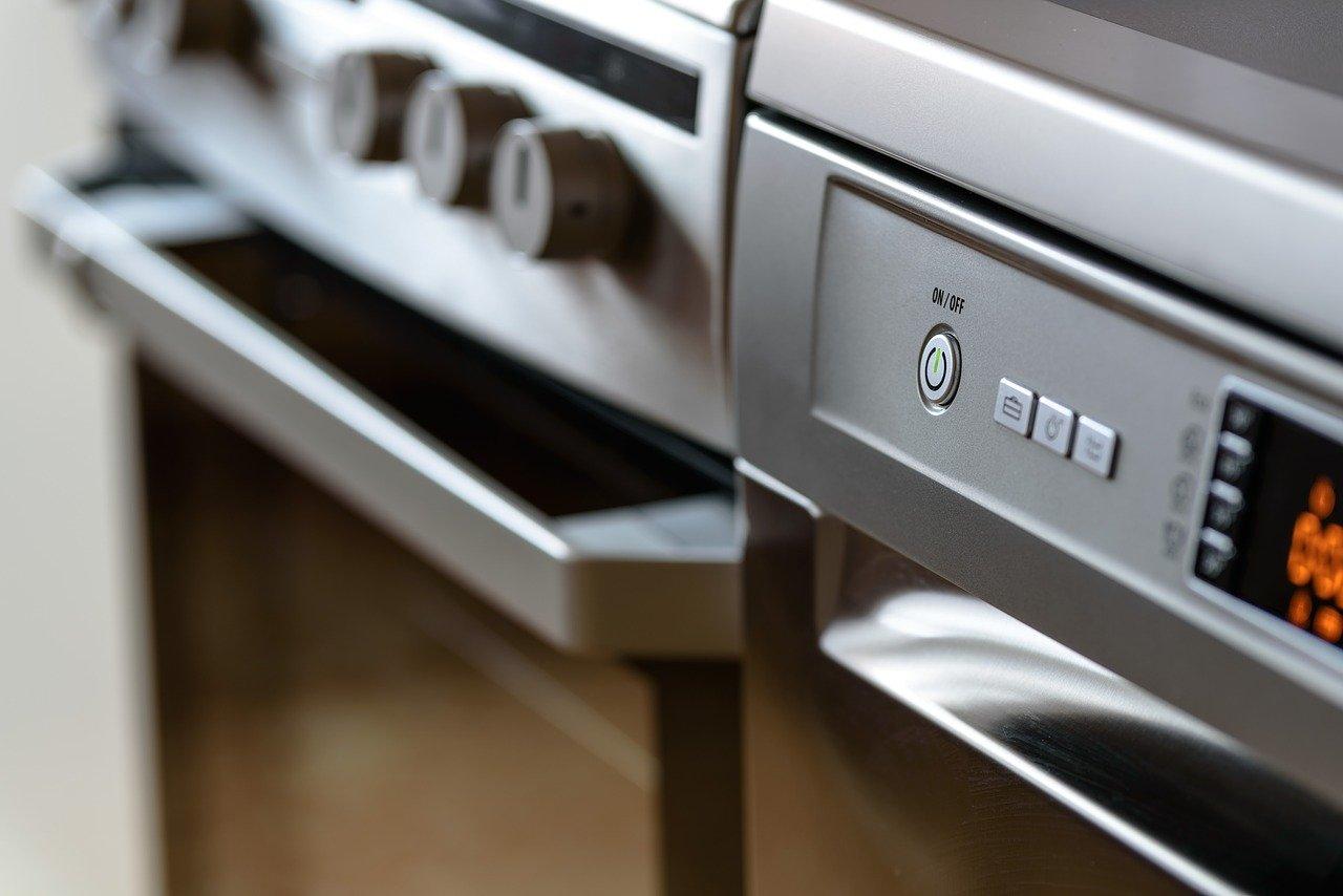 Jaki sprzęt małego AGD warto mieć w swojej kuchni? - Zdjęcie główne