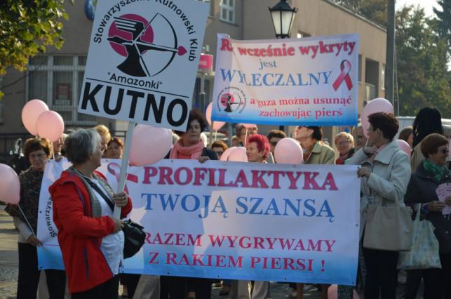 """""""Święto Różowej Wstążki"""" po raz pierwszy na ulicach Kutna - Zdjęcie główne"""