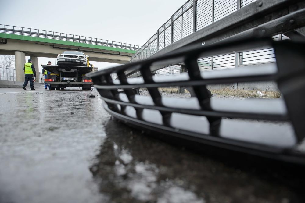 IMGW: ostrzeżenia przed oblodzeniem na drogach w powiecie kutnowskim - Zdjęcie główne