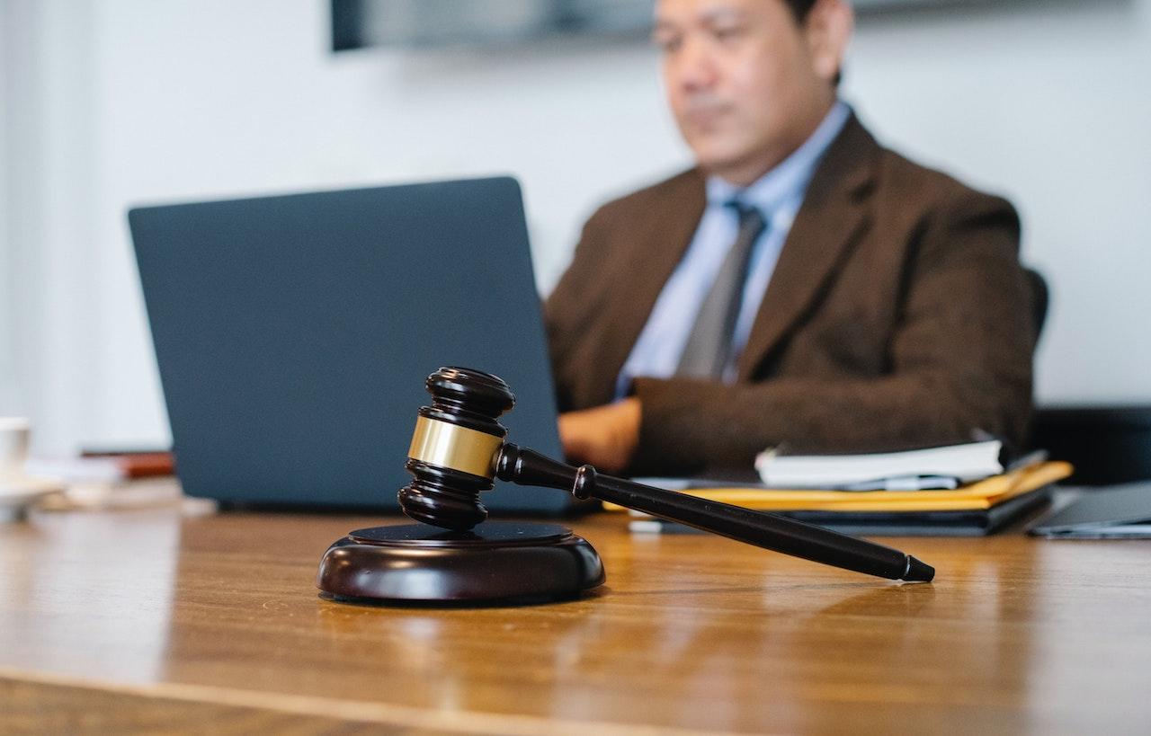 Pomoc kancelarii adwokackiej z Białegostoku w prawie pracy - Zdjęcie główne