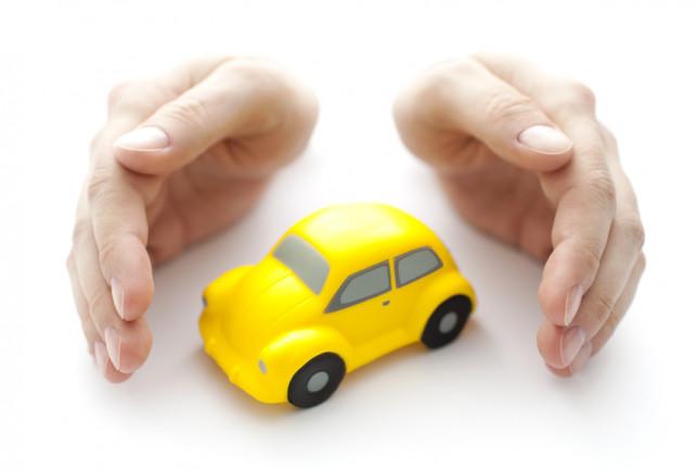 Wakacyjny wyjazd samochodem. Co zrobić, aby był bezpieczny? - Zdjęcie główne