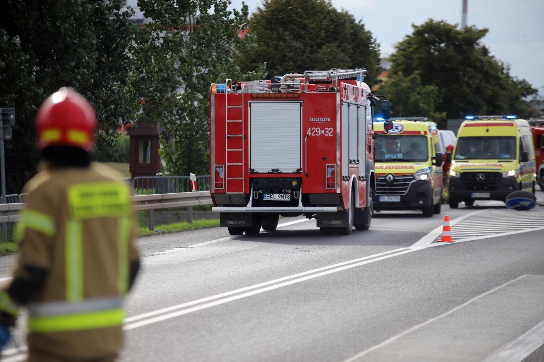 Wypadek na DK 92 w Kutnie. Zderzyły się trzy auta: jak do tego doszło? [ZDJĘCIA] - Zdjęcie główne