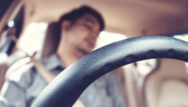 Kutnianin z trzema promilami zasnął za kierownicą podczas jazdy - Zdjęcie główne
