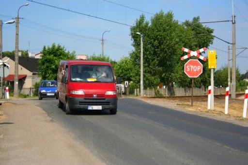Uwaga kierowcy! Przejazd kolejowy zamknięty dłużej niż planowano - Zdjęcie główne